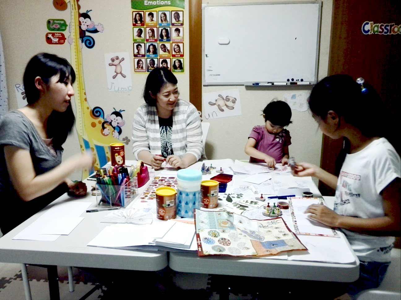 敬老の日カードを作ろう!<br>木のおもちゃ知育&英語あそび体験会、開催します!