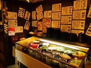 肉だけでなく、野菜も惣菜も寿司もデザートも駄菓子も食べ放題!